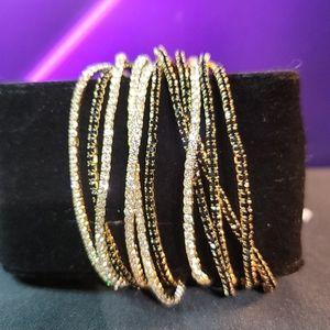 💝 NWT Guess 11 piece stretch Bracelets